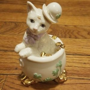 Lenox Cat in Pot